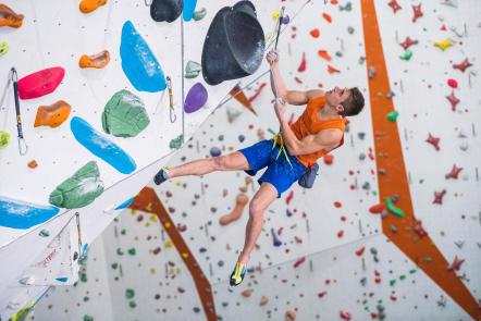 comment-choisir-un-harnais-baudrier-escalade-alpinisme-essai-en-tension.jpg