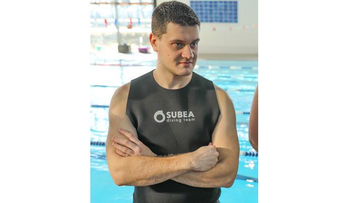 Victor, vendedor mergulho na Decathlon de Dunkerque