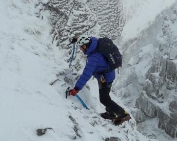 pierre-bergen-slecht-weer-alpinisme