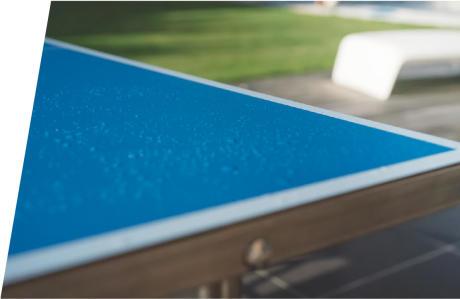 Regen auf Tischtennisplatte Tropfen Widerstandsfähigkeit