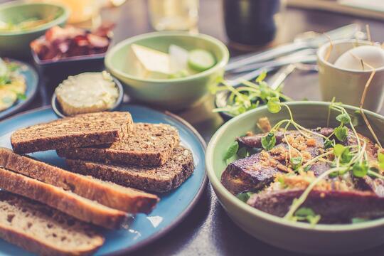 飲食建議 | 減脂增肌運動 補充適量碳水化合物