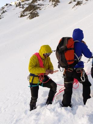 touw-alpinisme-sneeuw