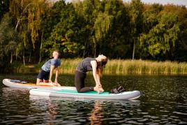 conseils-justine-a-testé-le-yoga-sur-un-stand-up-paddle