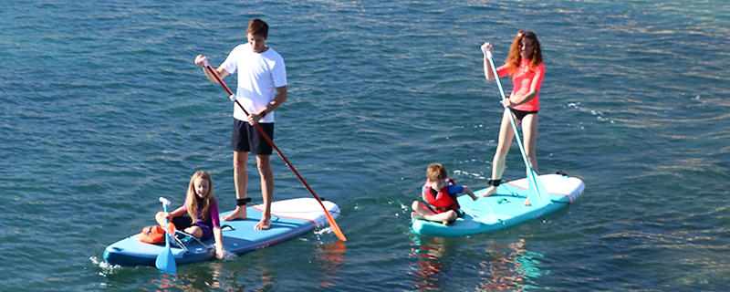 initier-son-enfanT au stand-up paddle