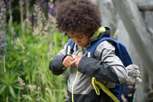 bekväma-ryggsäckar-för-juniorer-quechua-decathlon