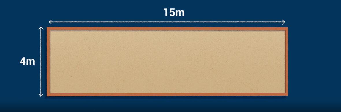 Le terrain de pétanque fait 4x15m