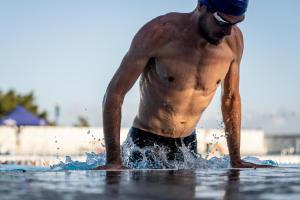 Est-ce que la natation muscle ?