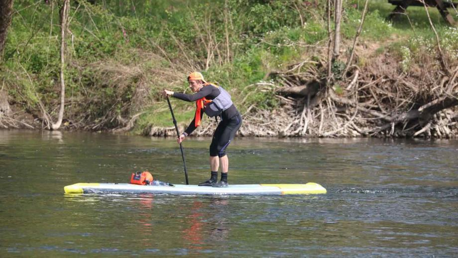 dordogne-integral-350-itiwit-inflatable-race-stand-up-paddle-14-alex-paddling