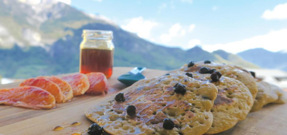 recipe blueberry pancakes cooking set mountain hiking camp quechua decathlon