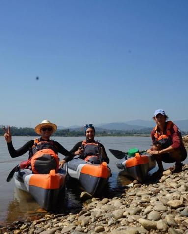 descending-the-mekong-in-an-itiwit-strenfit-x500-inflatable-kayak-team