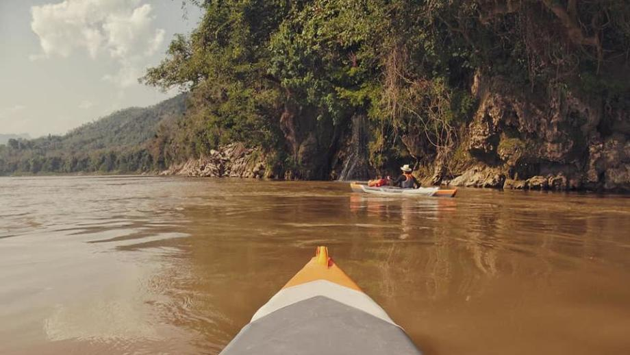descending-the-mekong-in-an-itiwit-strenfit-x500-inflatable-kayak-departure