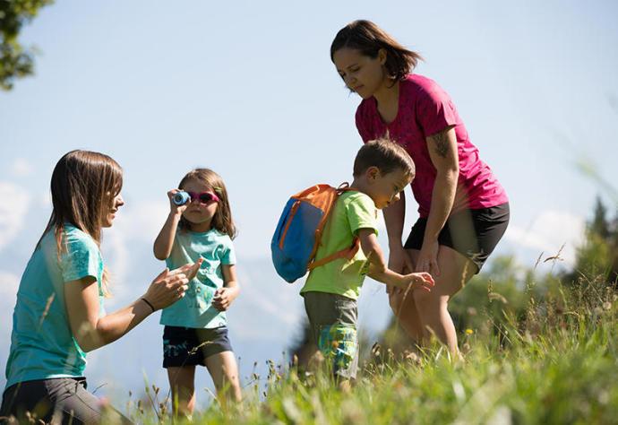 親子健行 可選擇好背負的背包