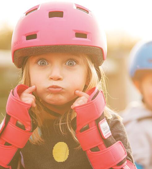 Skeeleren en fietsen: welke bescherming kies je voor je kinderen?