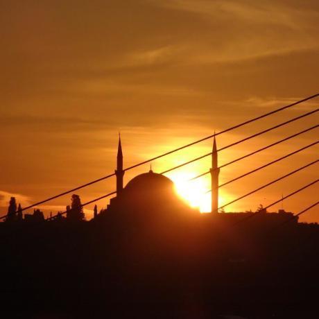 Coucher de soleil Sainte Sophie et Mosquée Bleue à Istanbul