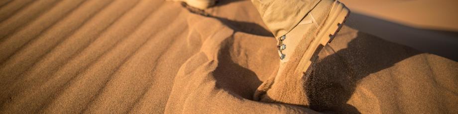 astuces pour éviter le sable dans les chaussures