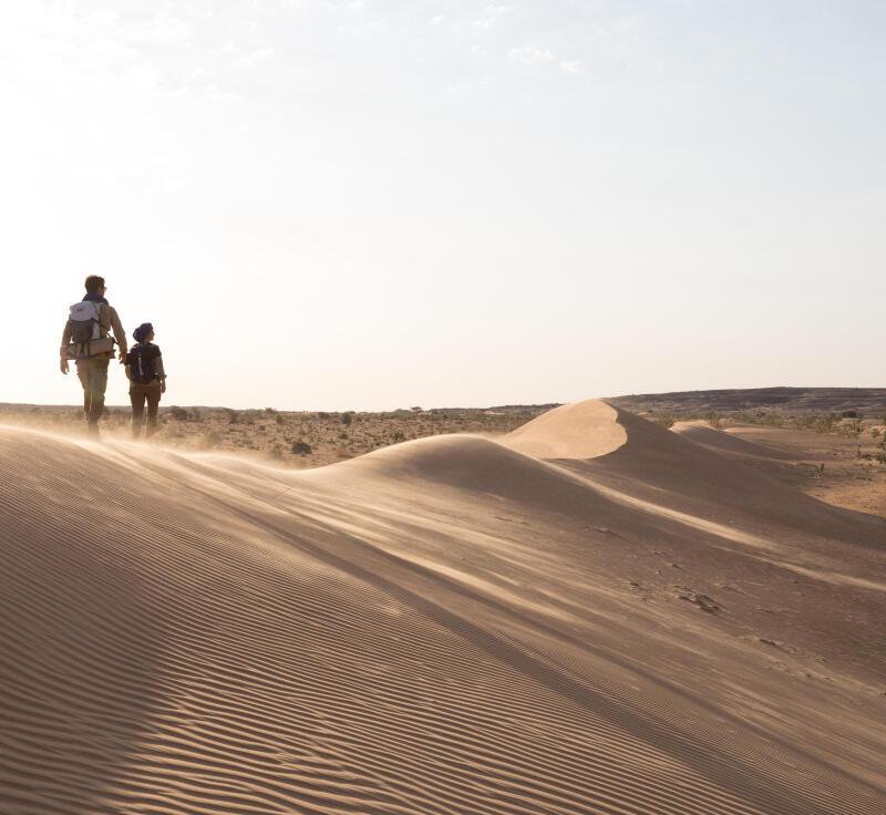 se protéger du sable pendant tempête désert
