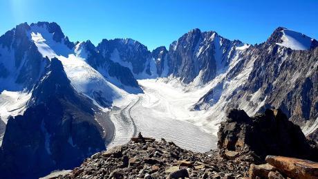 Op deze foto is er voldoende te zien om je gedurende 5 jaar als alpinist uit te leven.