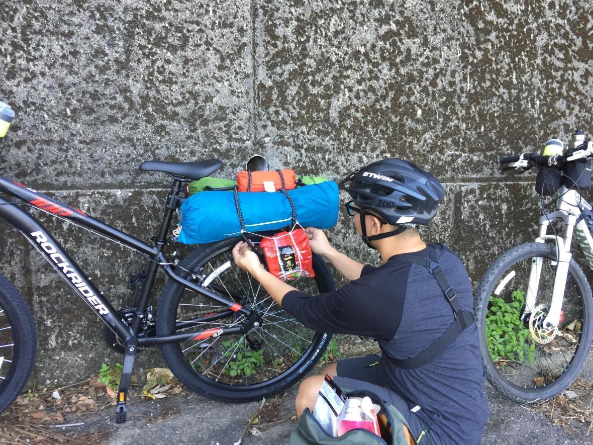 露營X登山車 攜帶行李準備出發囉