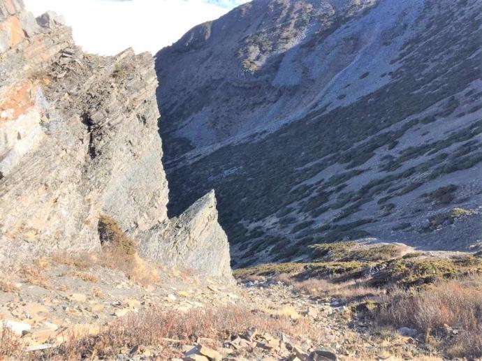 下北稜角的路非常陡峭