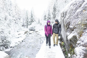 10_Winter_Hiking_Trails_to_Visit