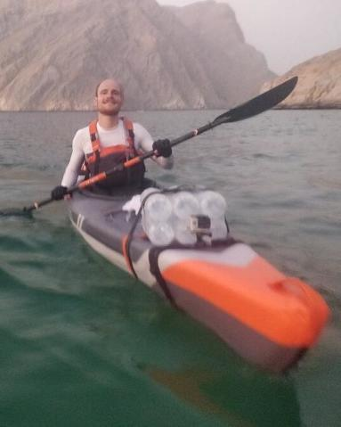 fjords-arabie-sultanat-oman-aventure-kayak-gonflable-strenfit-x500-nathan-theo-bouteilles