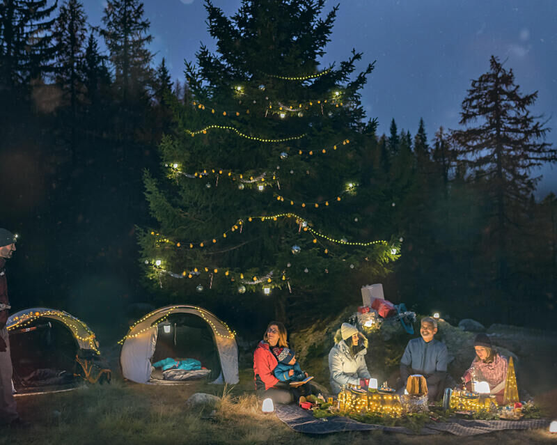 hiking mountain nature snow christmas gift idea