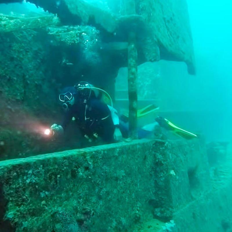 Mamytwink plonge sur l'épave du SS Thistlegorm !