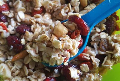 Recipe / Goji and cranberry muesli