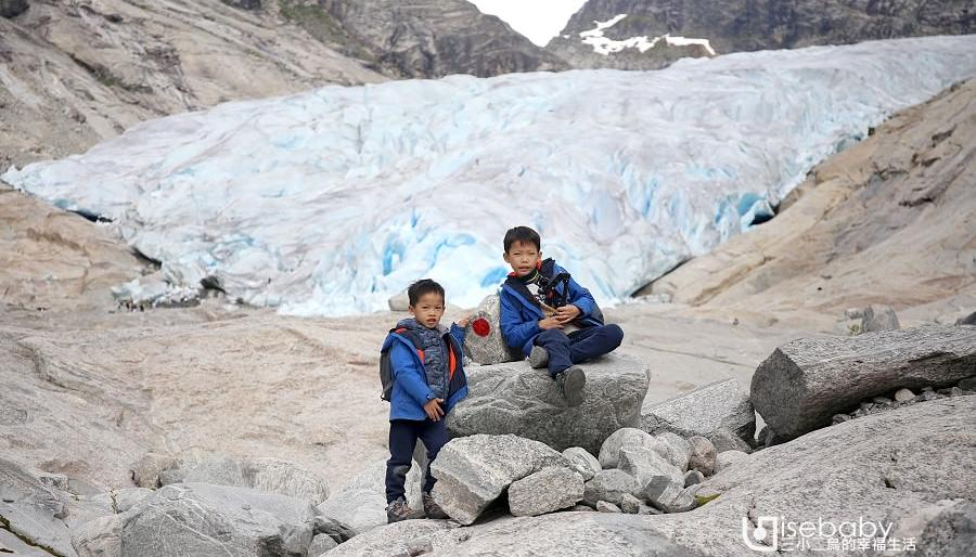 挪威親子露營與冰川健行