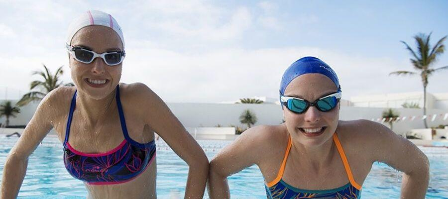 How can swimming improve mental health?