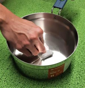 how to clean your cooking pot