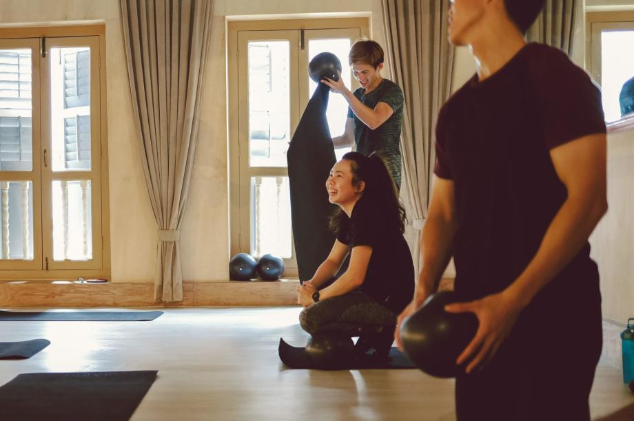 SG-Slider-7-what-to-wear-to-a-barre-class