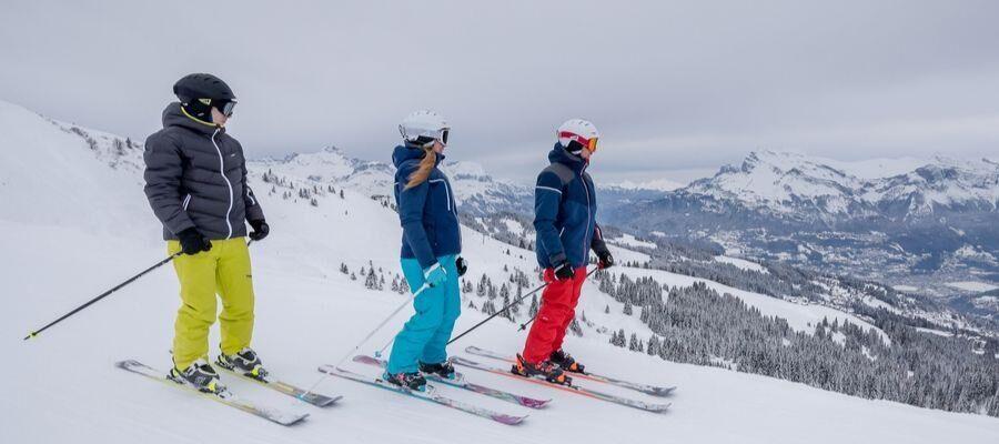 SG-Content-3-10-essentials-for-a-ski-trip