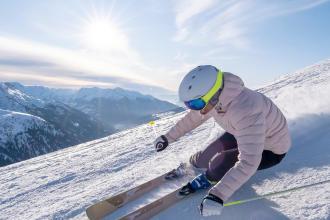 Vous vous demandez pourquoi porter un casque de ski ? Pourtant, les chiffres sont formels : après les jambes, c'est la tête qui est le plus souvent touchée lors des accidents aux sports d'hiver.