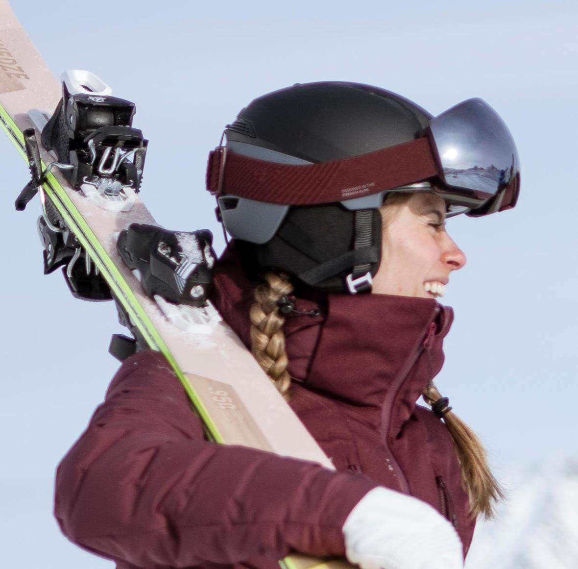 comment porter ses skis les techniques de wed'ze