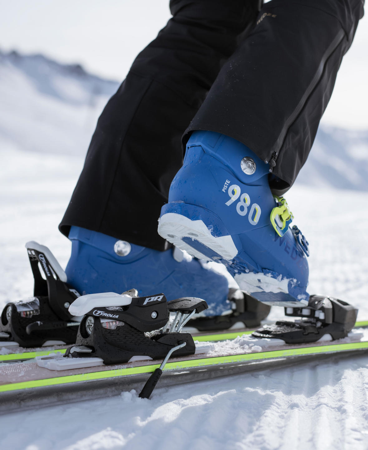 how to put skis on