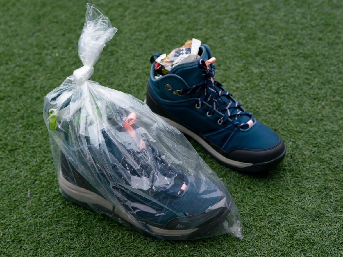 如何弄乾行山鞋?