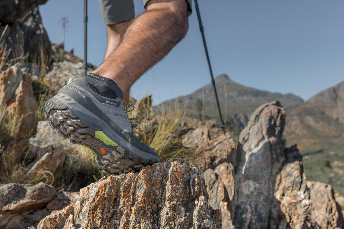 choosing trekking boots