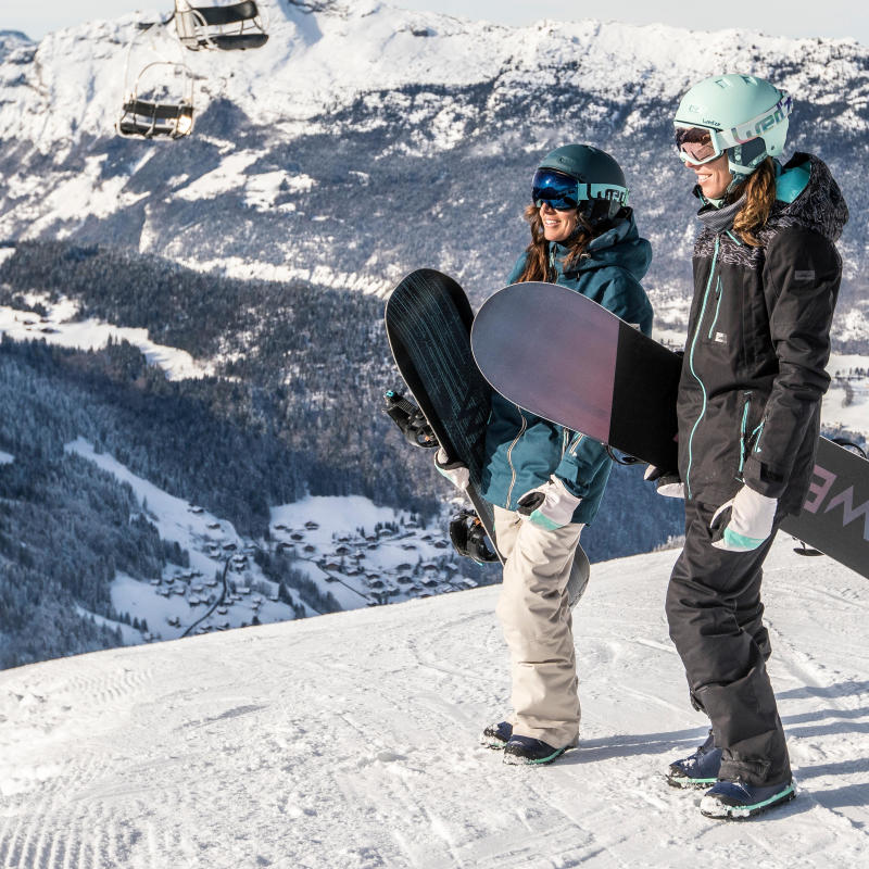 how to carry your snowboard - wedze tips