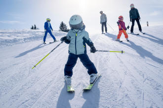 Discover skiing with your children teaser