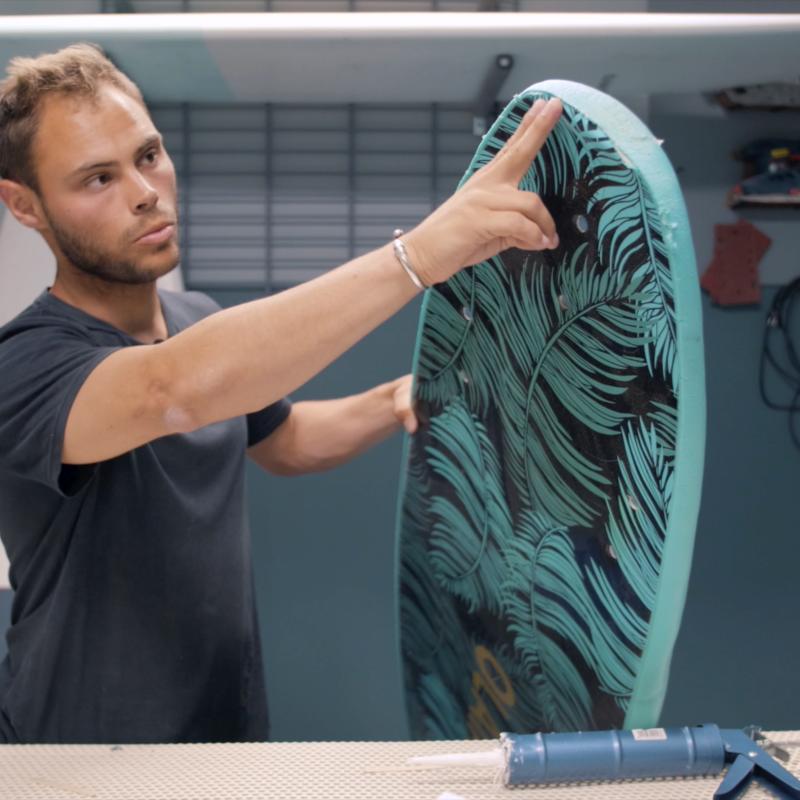 réparer une planche de surf en résine