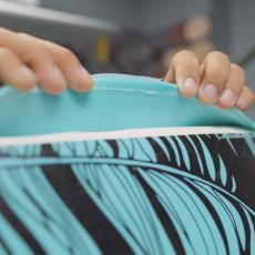 réparer un décollement du slick sur une planche de surf en mousse