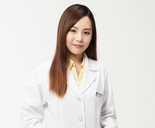 蔡粲羽 營養師