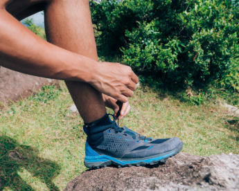 How to choose gears for fast hiking - shoes