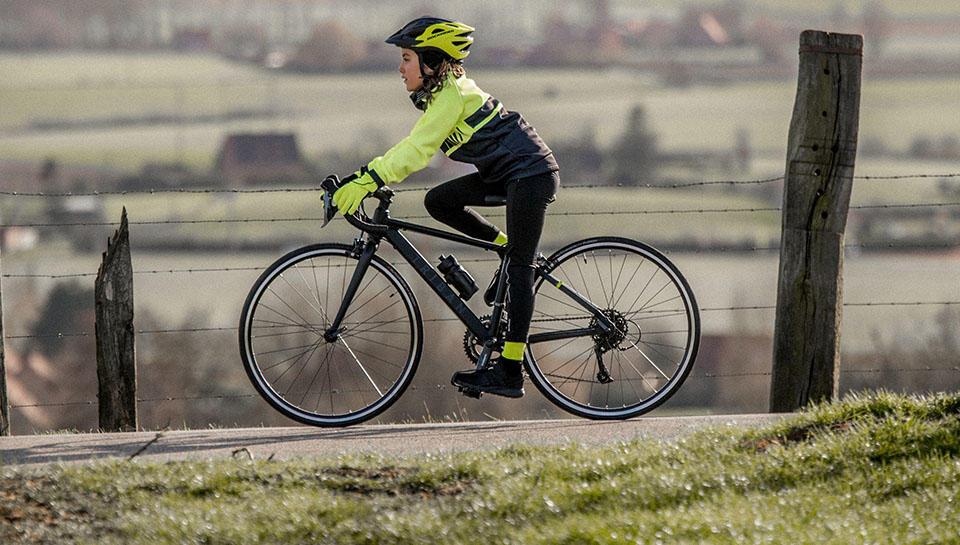 Textile et casque vélo enfant
