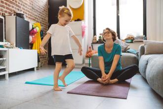 8 yogapositioner för barn som är lätta att göra hemma
