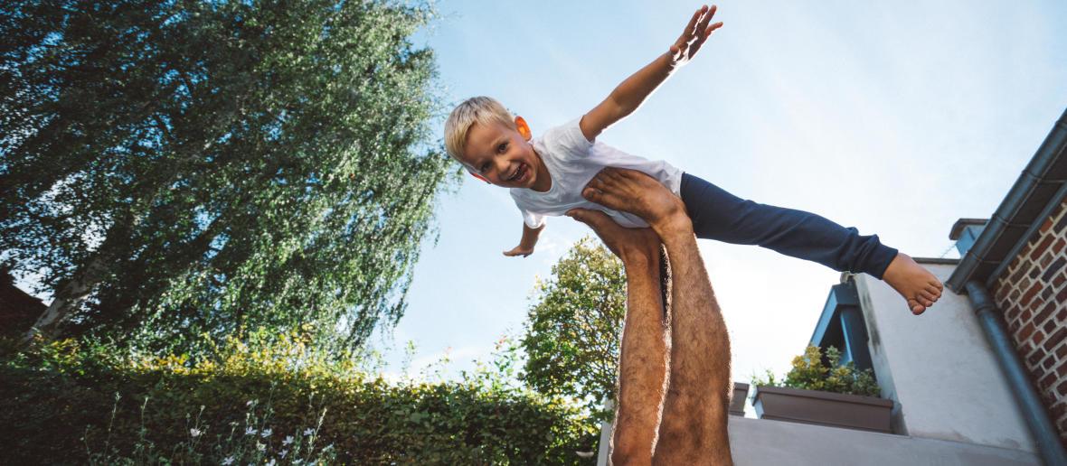 8 postures de yoga enfant facile à faire à la maison