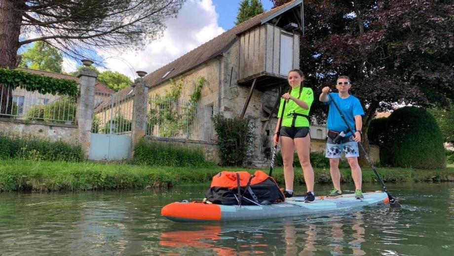 paddling-in-france-with-a-tandem-inflatable-stand-up-paddle