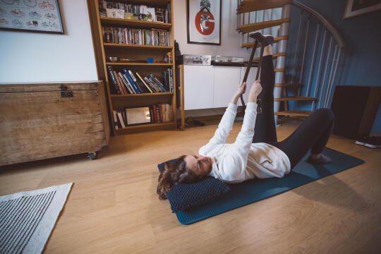 7 Effective Everyday Stretches (Safe for Post-Vaccine Recovery)