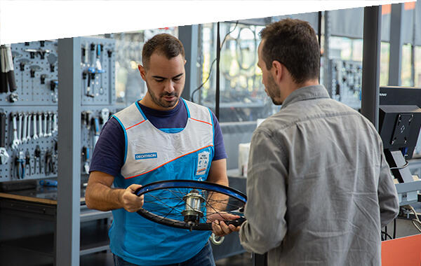 Decathlon - Velo Paris - Atelier en Magasin - Ou faire réparer son velo
